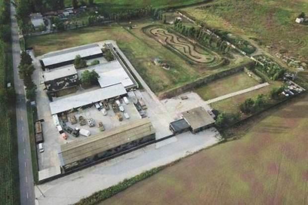 Занедбана військовий база на заході Словаччини, де отаборилися