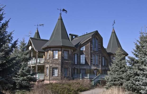 Мисливський будиночок на Трахтемирові