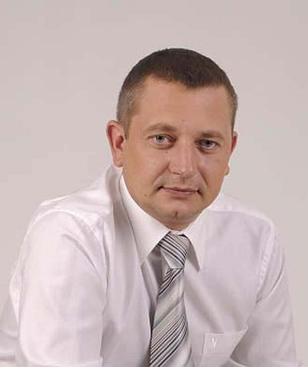 Голова Вишневого Ілля Діков