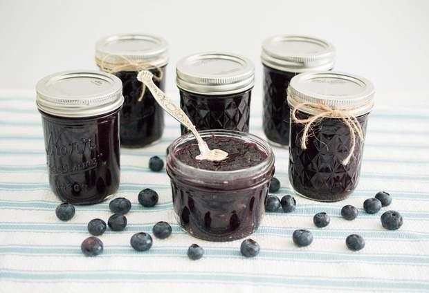 Варення з чорниці: рецепти приготування чорничного варення