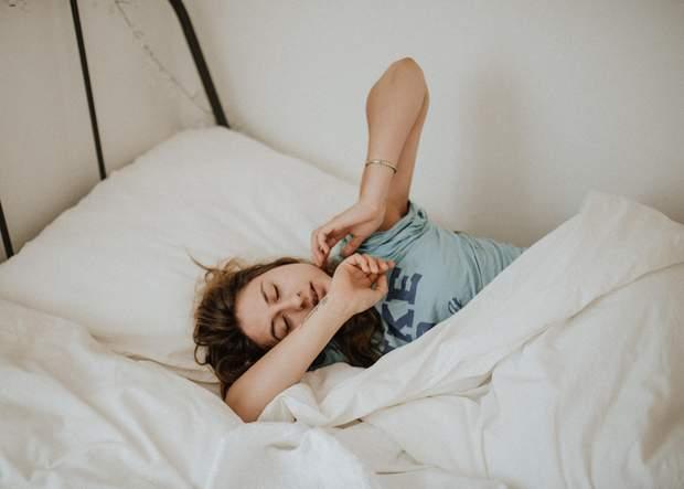 Спіть не менше 7-8 годин