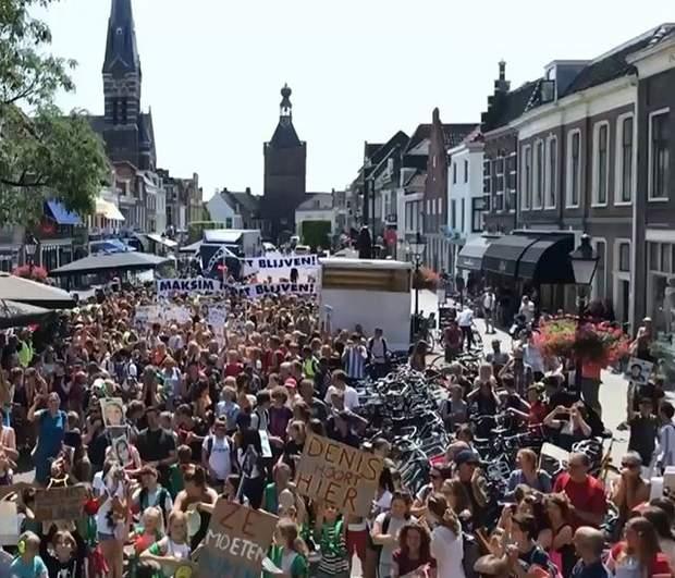 Нідерланди, Кулемборг, мітинг