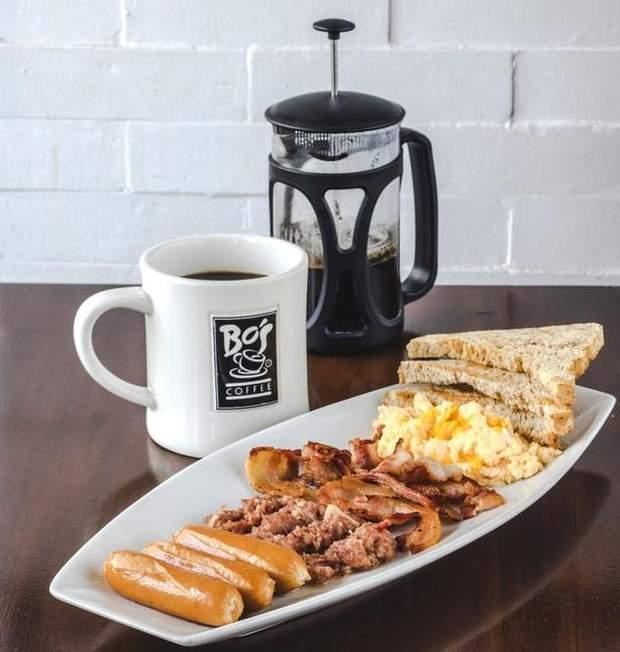 М'ясо та кава – не найкращі продукти на сніданок