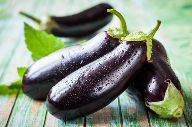 Баклажан – один з головних овочів серпня