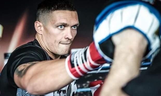 Усик найкращий боксер у липня WBA