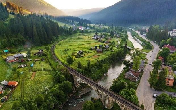 Віадук у Ворохті є одним з найстаріших у Європі