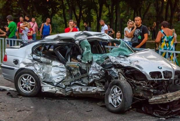 В результаті аварії загинули дві людини