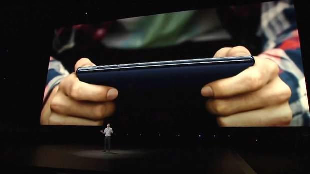 Завдяки потужному графічному прискорювачу Samsung Galaxy Note 9 легко запускатиме ігри та VR-додатки