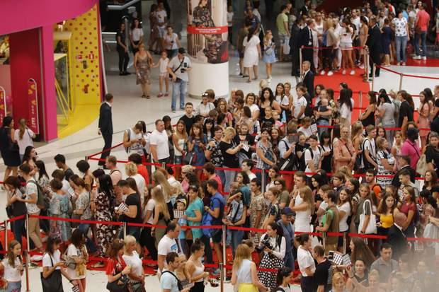 відкриття H&M в Києві
