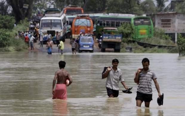 Дощ Індія Індонезія Повінь Жертви