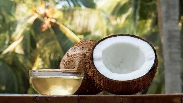 Вчені розвінчали міф про користь кокосової олії