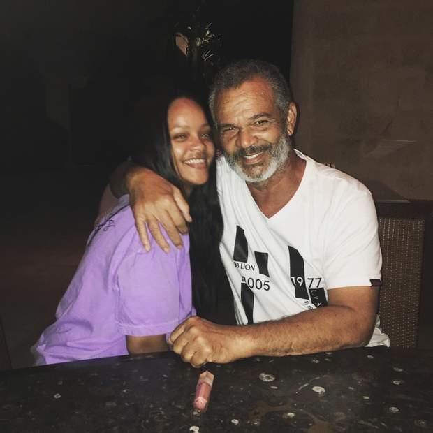 ріанна з батьком