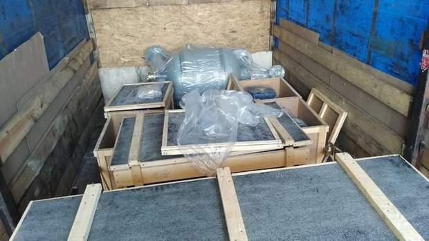 СБУ затримала вантажівку з товарами, яка мала виїхати до Росії