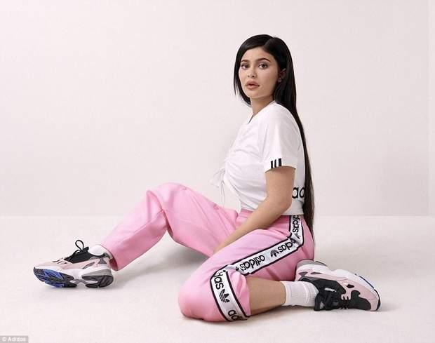 Кайлі Дженнер / Adidas