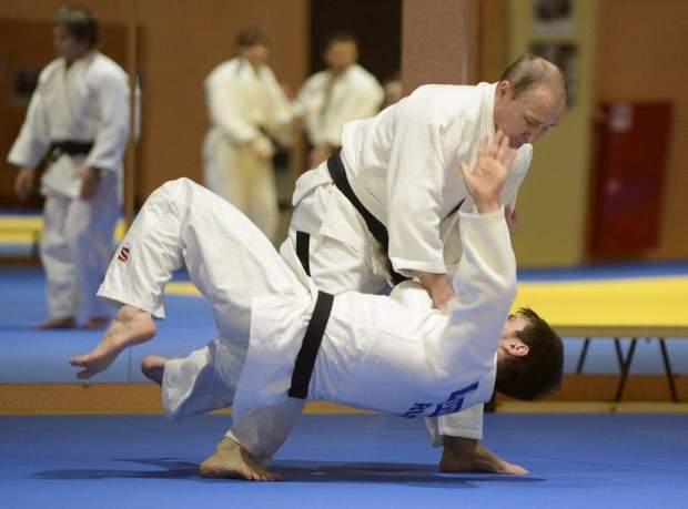 Путін має звання майстра спорту із самбо та дзюдо