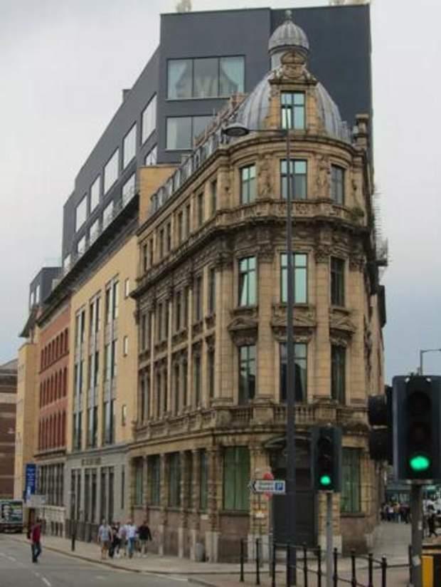 Великобританія, антипремія, будівлі