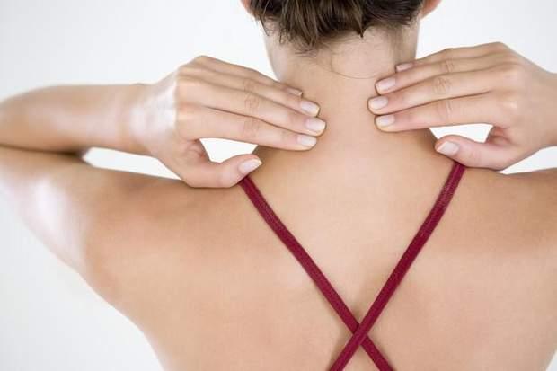 Жир відкладається на шиї ззаду