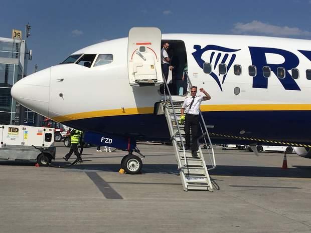 До Києва прибув перший літак ірландського лоукостеру Ryanair