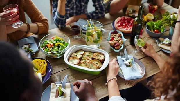 Як впливає перерва між першим і останнім прийомом їжі на чотири години