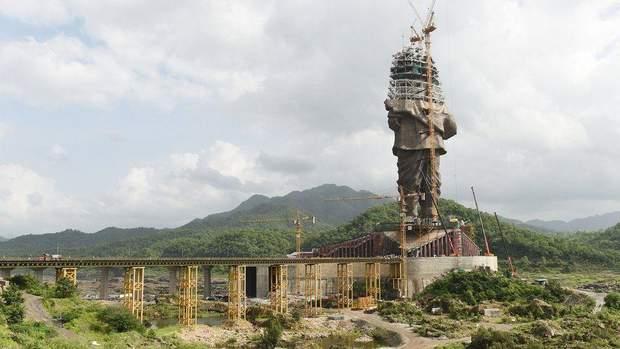 В Індії добудовують найвищу статую у світі