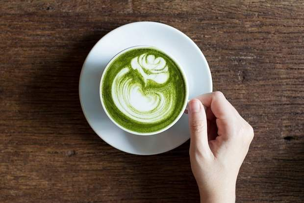 Вживання зеленої кави допомагає худнути швидше