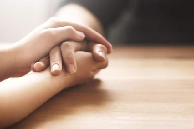 Спілкування з рідними допоможе уникнути суїциду