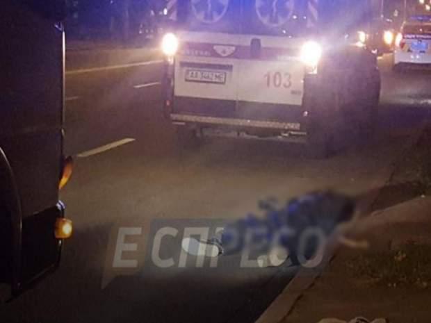 У Києві вантажівка збила літнього чоловіка