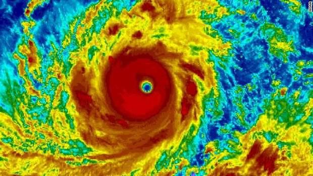 Тайфун може зрівнятись із ураганом максимальної п'ятої категорії