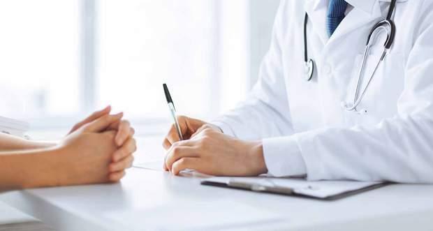 Через нерозбірливий запис у світі трапляються тисячі лікарських помилок