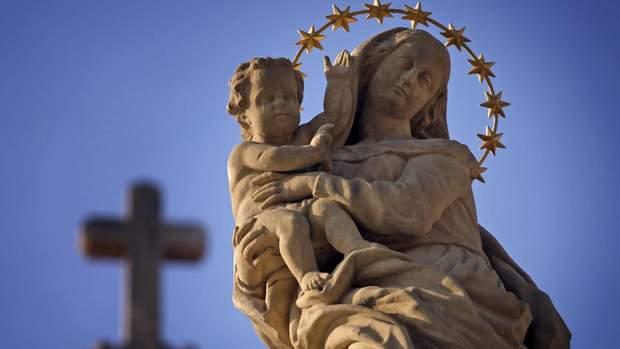 Різдво Пресвятої Богородиці: привітання у прозі та віршах з Богородичним святом