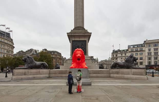 Лондон, Червоний лев, Ес Девлін