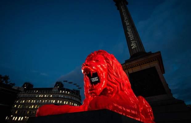 Великобританія, Червоний лев, Ес Девлін