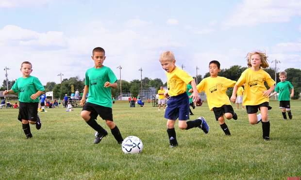 Навчіть дітей правилам гігієни, якщо вони відвідують спортивні секції