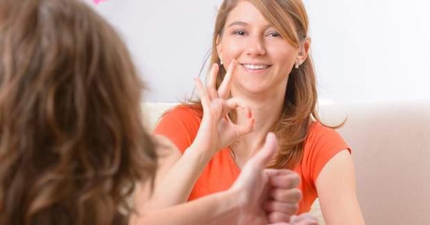 Існує 150 національних мов жестів
