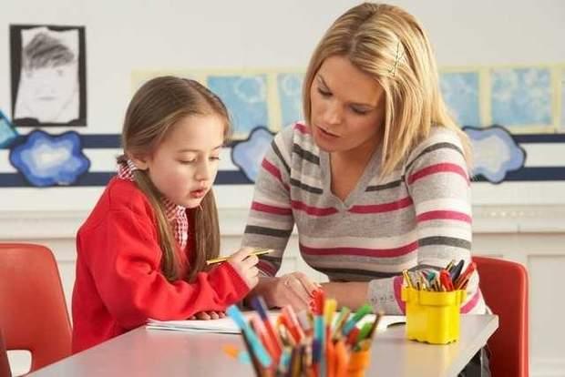 Даже будучи школьниками, ученики старших класов занимались с детками