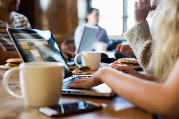 Як предмети на столі впливають на продуктивність