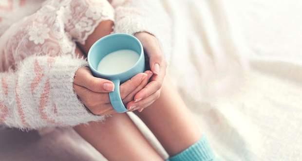 Тепле молоко з мінеральною водою