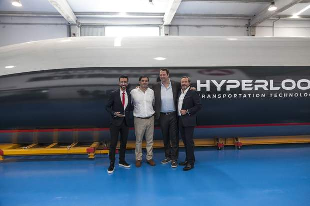 Презентація капсули Hyperloop