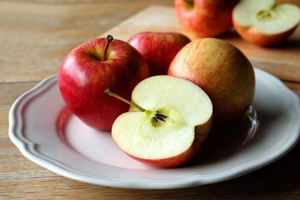 Фізетін міститься у яблуках