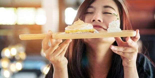Як запах впливає на кількість спожитої їжі