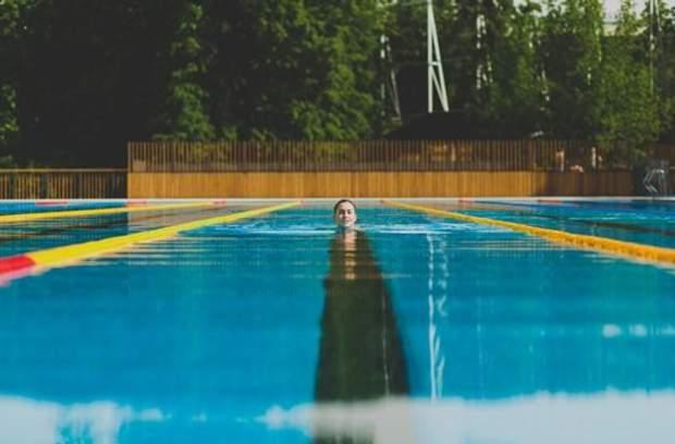 Неправильне положення тіла у воді може принести шкоду здоров'ю