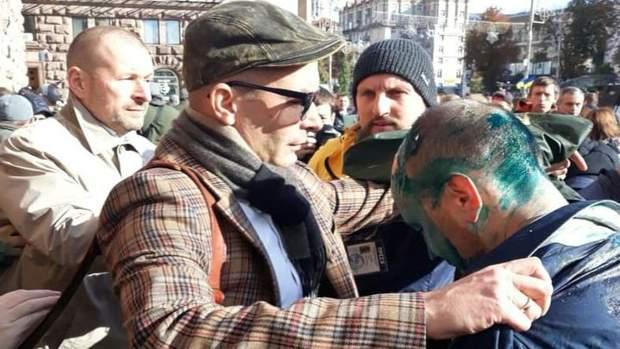 В Києві облили зеленкою депутата Сергія Гусовського