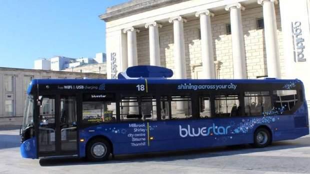 автобус, що очищає повітря