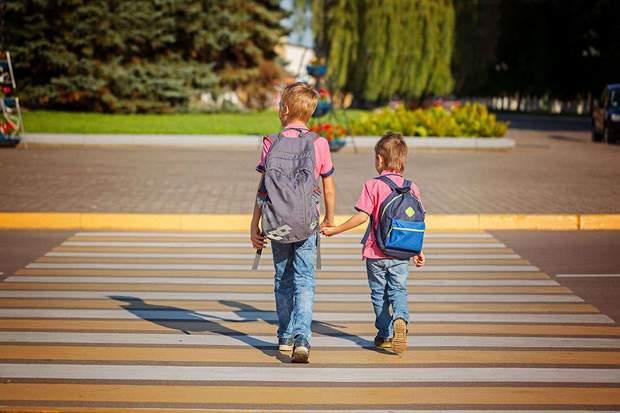 Навчіть дитину основних правил дорожнього руху