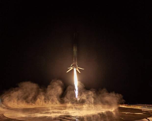 Ракета Ілона Маска успішно повернулася на Землю