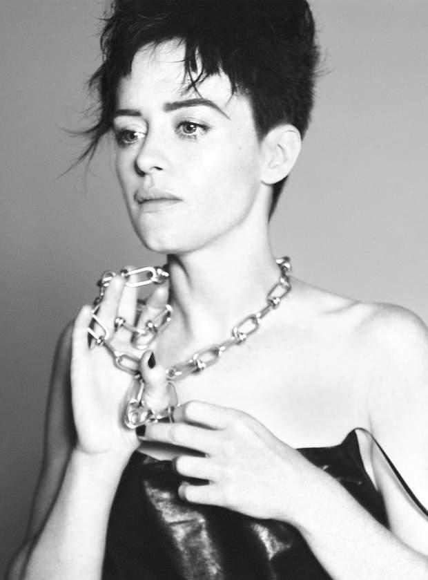 Клер Фой для Vogue