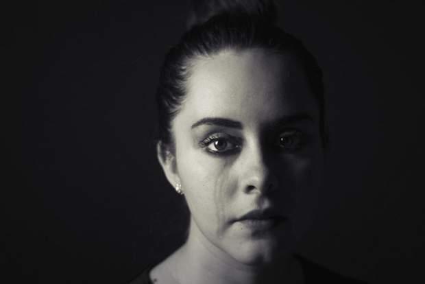 Живучи з біполярним розладом дуже важко навчитися собі довіряти