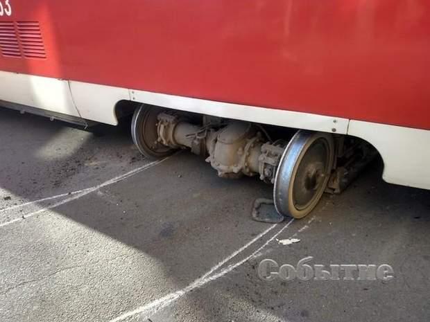 трамвай аварія ДТП колія кам'янське