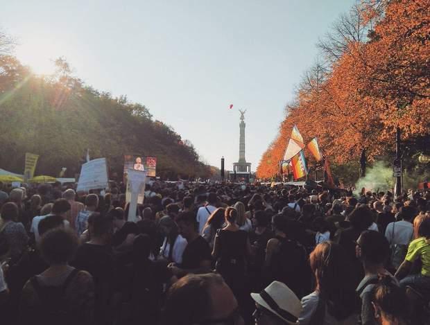 Акція стартувала з центральної площі і завершилася біля Колони перемоги