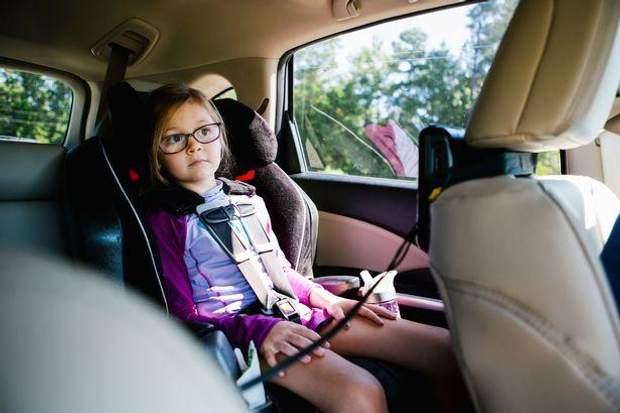 Заправити автомобіль паливом з дитиною займає вдвічі більше часу